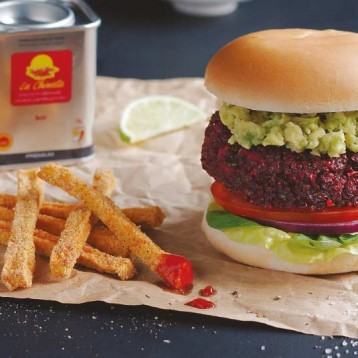 Vegetarian burger with courgette fries