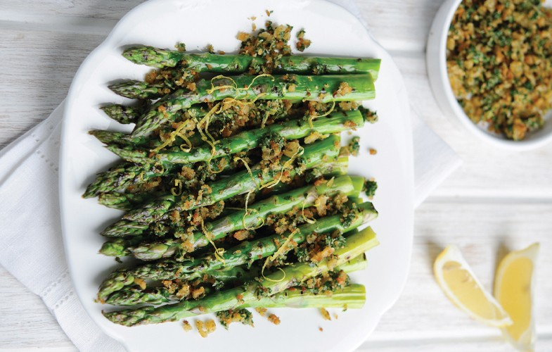 BBQ asparagus with gremolata