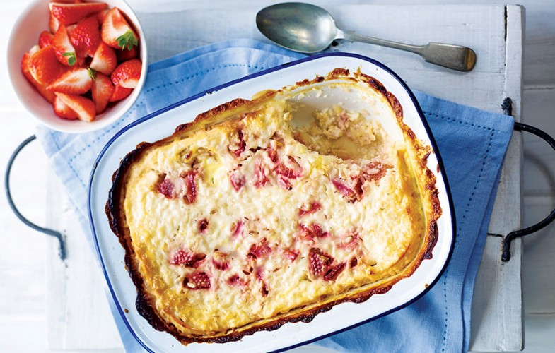 Strawberry oven-baked risotto with buttermilk