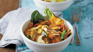 Chinese mixed mushroom curry