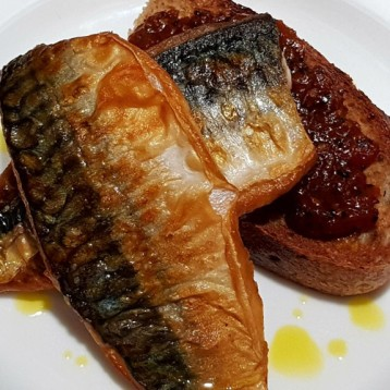 Pan-fried mackerel, spiced tomato chutney, crusty sourdough