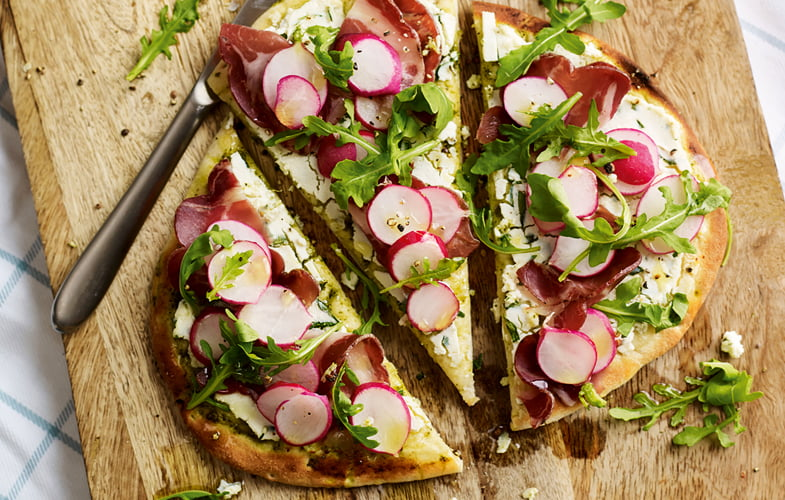 Radish, ham and ricotta pizza breads