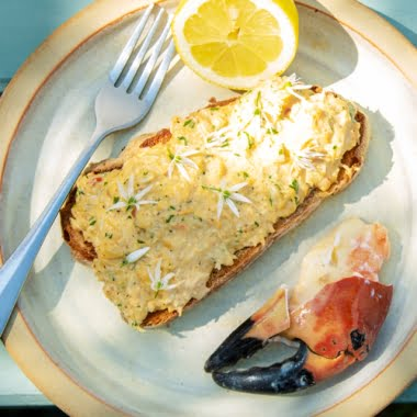 Creamed North Shields crab on toast