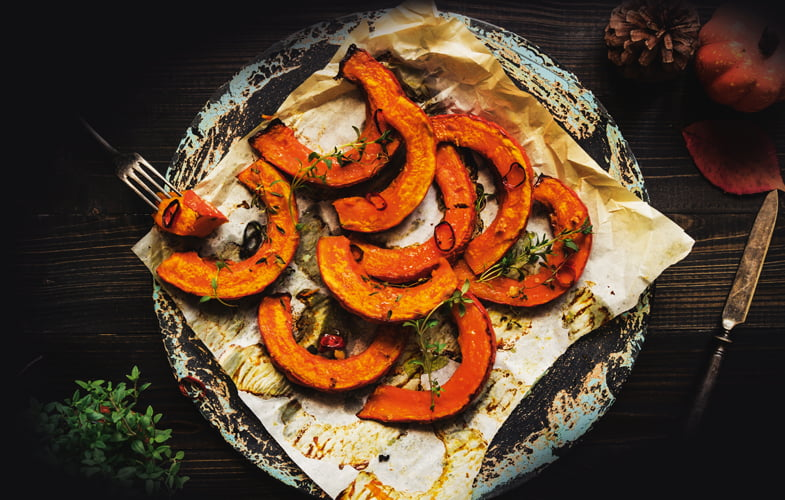 Baked pumpkin with chili and thyme