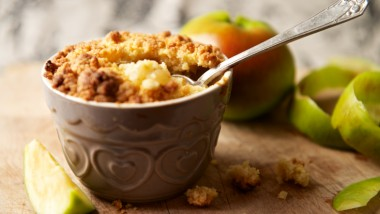 Mini apple crumbles