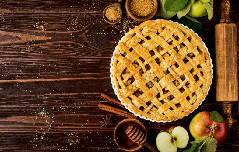 Apple, marzipan & elderflower pie
